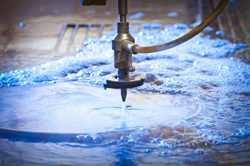 Decoupe jet d'eau haute pression