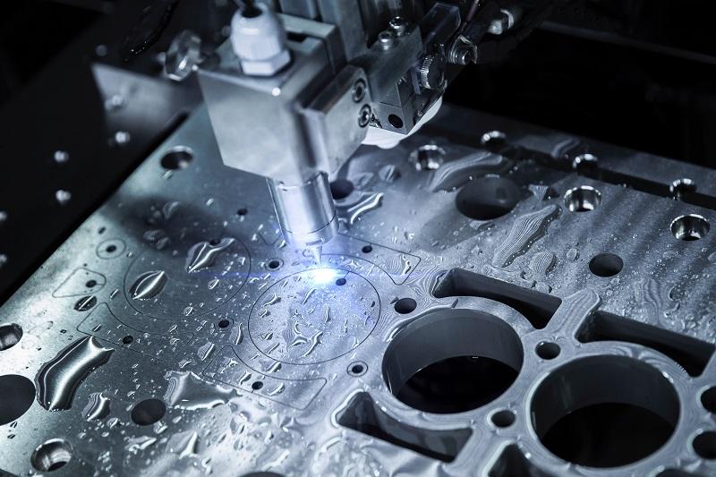Découpe jet d'eau pièces métalliques
